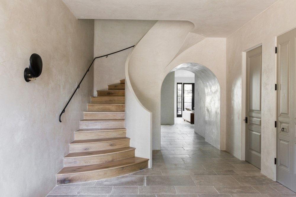 Enhance you standard of living with polished plaster