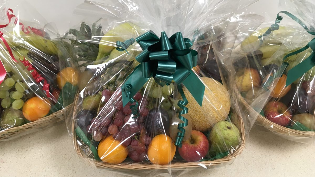 Sending fruit baskets to UK