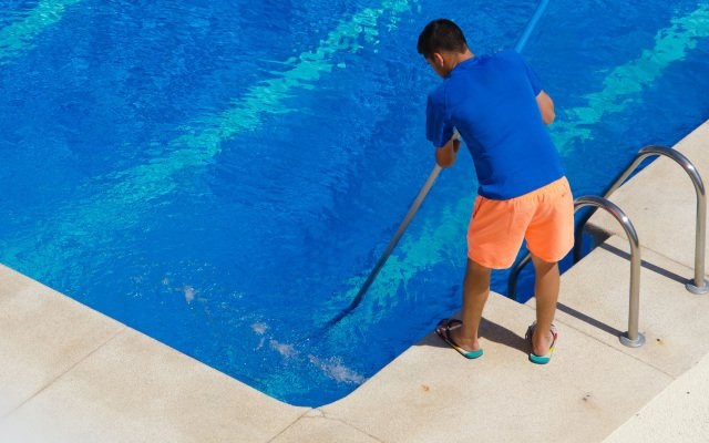 How to Choose Reliable Pool Service Providers?