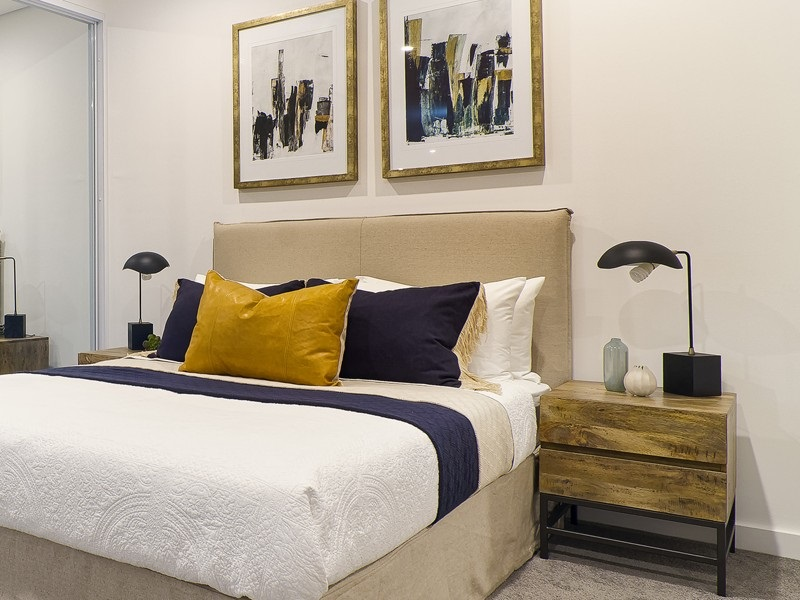 How to Choose a Best Side Table of Your Bedroom?