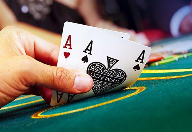 Poker games that gives money through POKER