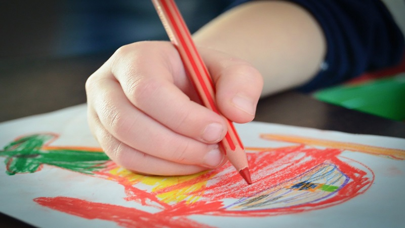 What does painting stimulate? Benefits of drawing for kids