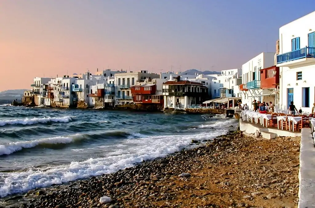 A Perfect Stay At the Mykonos with the best Setup