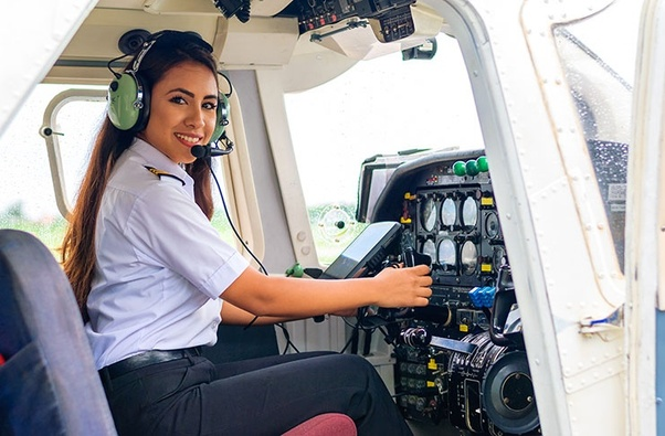 How Much Does It Cost to Become A Commercial Pilot?