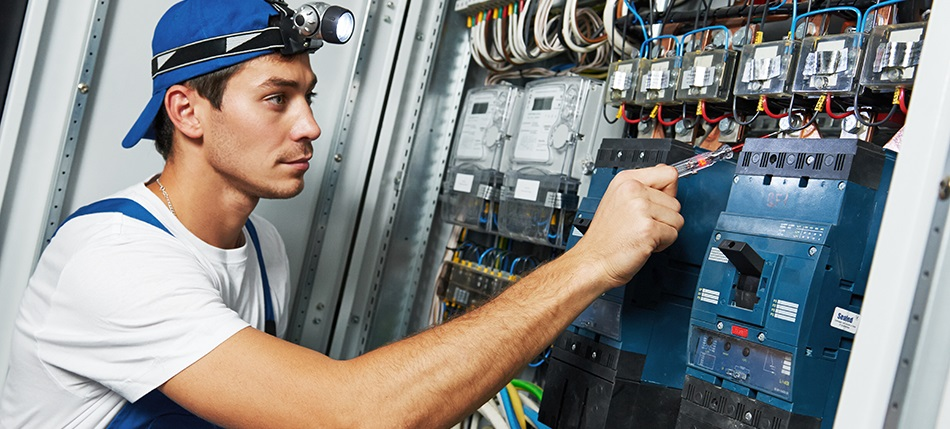 Reasons to Hire an Electrician in Adelaide