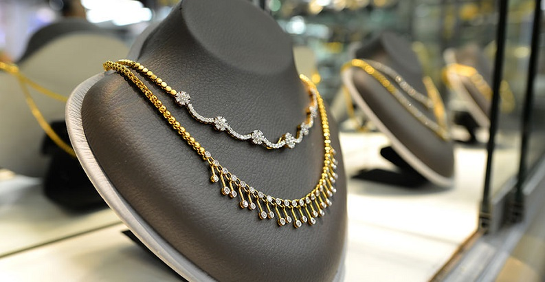 What to Look For When Buying Jewellery From Vogue Jewllers