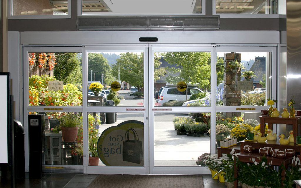 Factors to Consider While Choosing Air Curtains