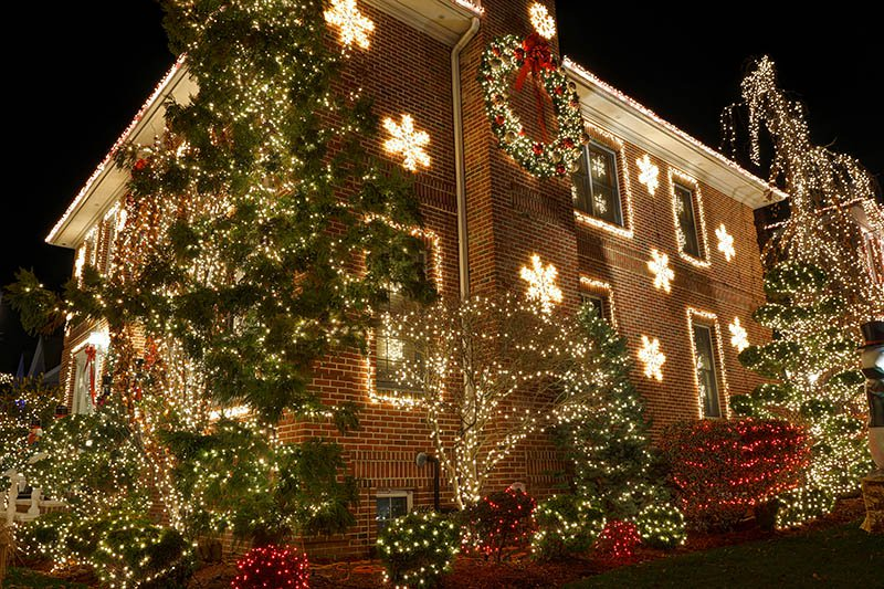 Discover the many benefits of having your Christmas lights installed by a professional