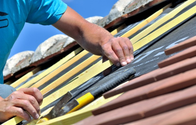 How to Save Money on Getting a New Roof in Naperville