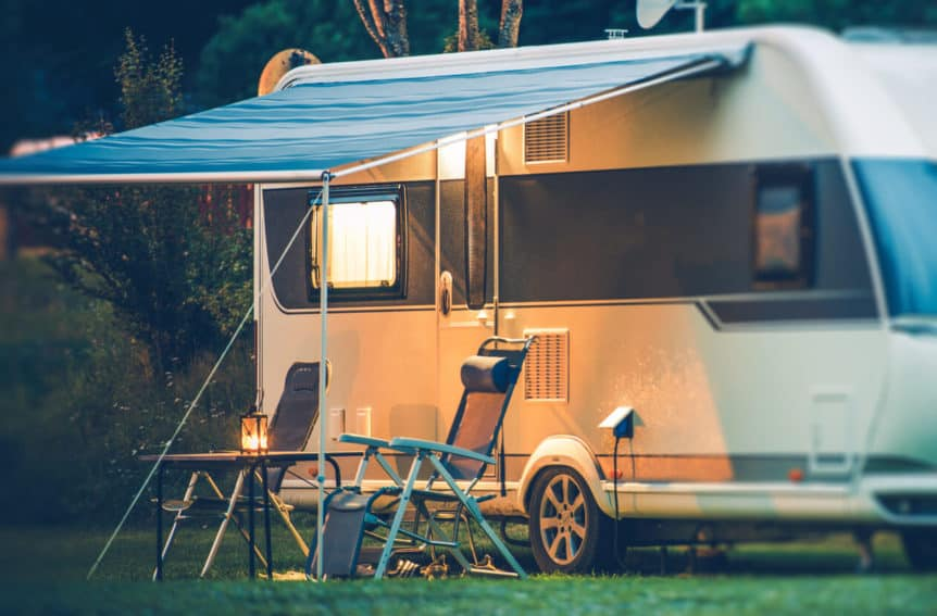 Pros and Cons of Camper Trailers