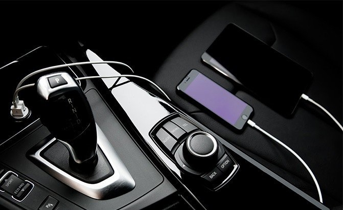 Top 5 Car Accessories that will Make Your Drive Convenient
