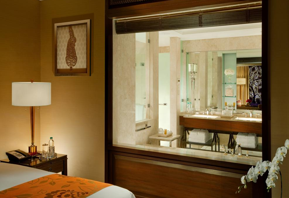 Want to be Awestruck? Set foot in The Leela Palace Hotel Chennai rooms