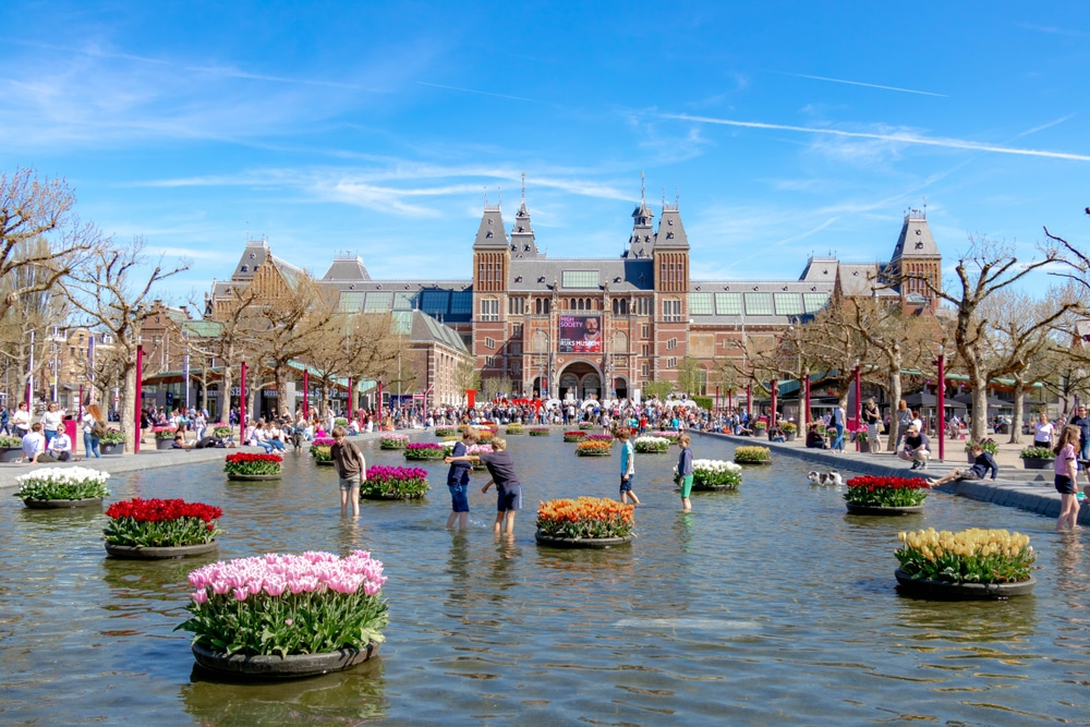 Why Amsterdam is the Best Place to Experience Moments with Partner