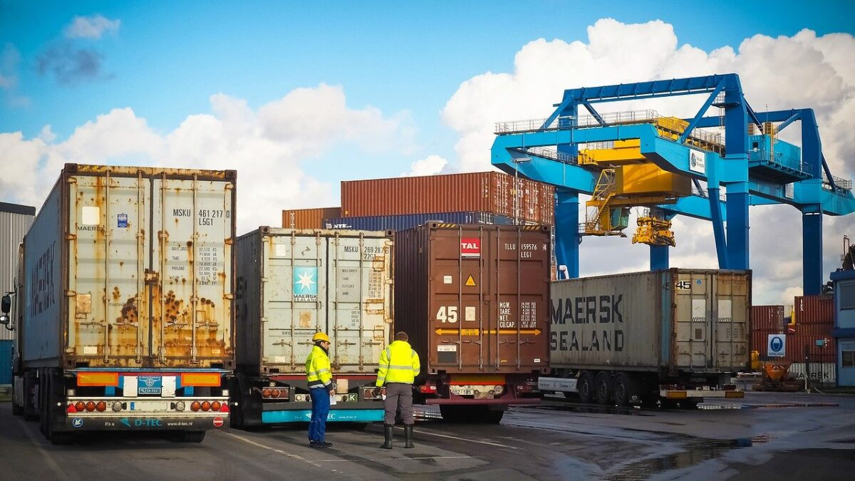 Things You Should Do to Avoid Possible Losses and Damages during the Freight Transportation