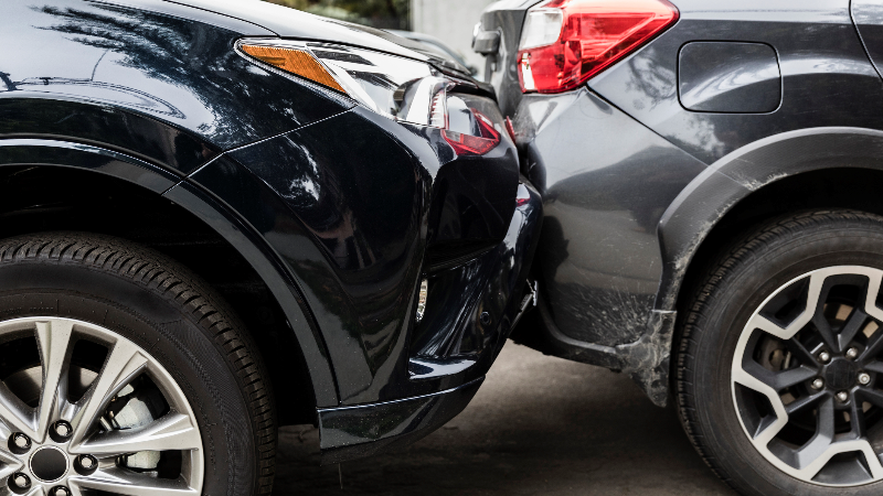 Car towing – rules how to do it correctly. When can you count on the insurer's help?