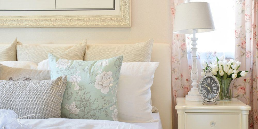 Tricks to make your bedroom feel extra cozy