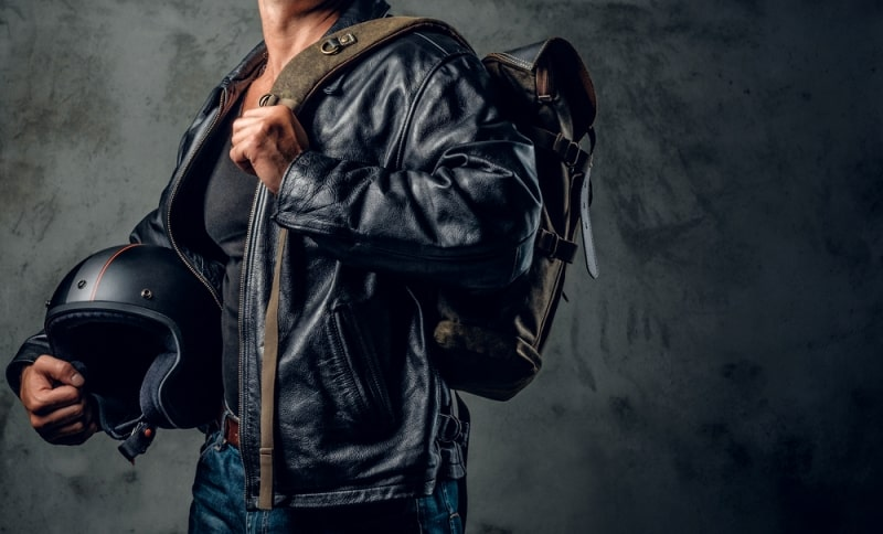 Why Should You Own A Leather Jacket Online