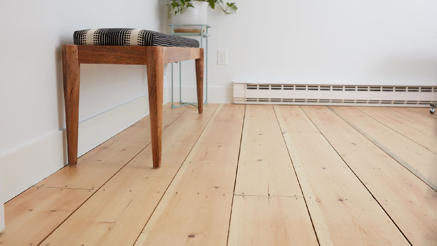 3 Ways to Tell If the Wood Floors Are Damaged