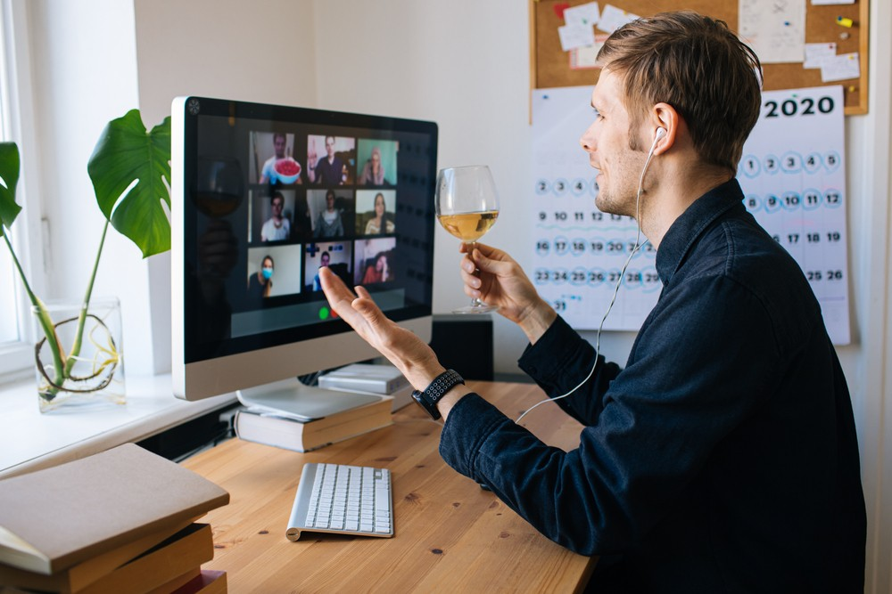 Top 10 Ways to Keep Your Team Connected While Working Remotely 2022